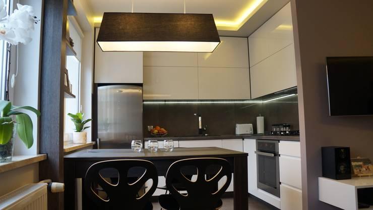 Mieszkanie 47m2: styl , w kategorii  zaprojektowany przez AMK Wnętrza