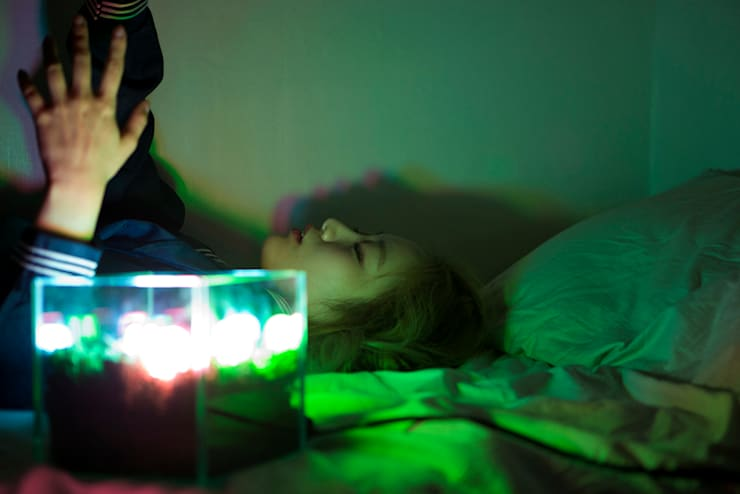 RGB Land (Model Shot): 글로리홀 GLORYHOLE LIGHT SALES의  거실,