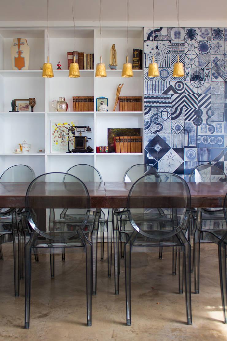 Apartamento – Pajuçara: Sala de jantar  por LM Arquitetura | Conceito