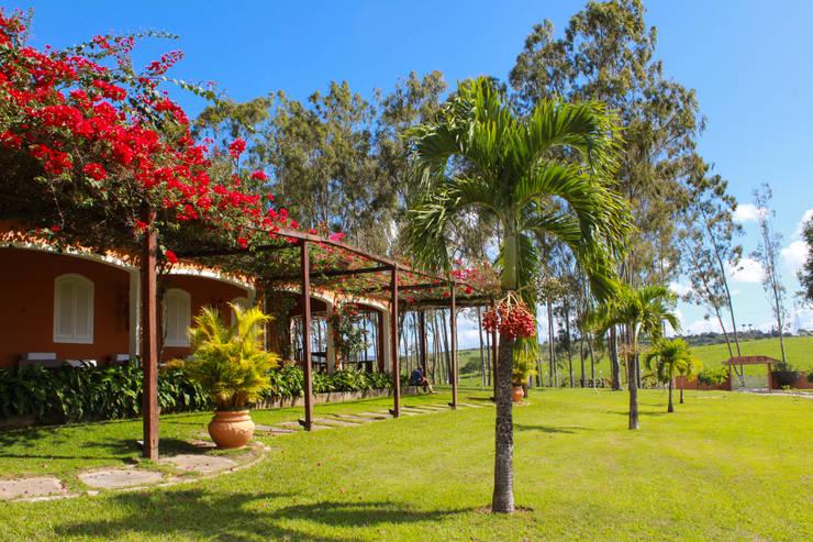 Fazenda Santa Izabel: Casas  por LM Arquitetura | Conceito