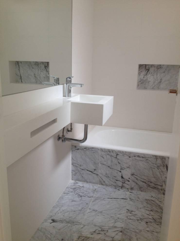 COCINA Y BAÑO – PALERMO: Baños de estilo  por Mercedes Milesi,Moderno