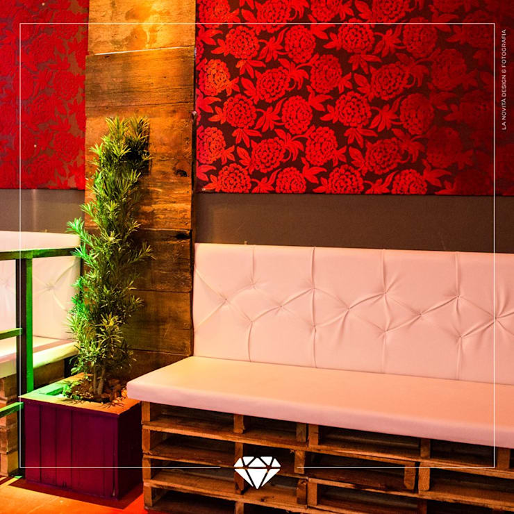 de estilo  por Ana Luci Moro Arquitetura, Rústico Madera Acabado en madera