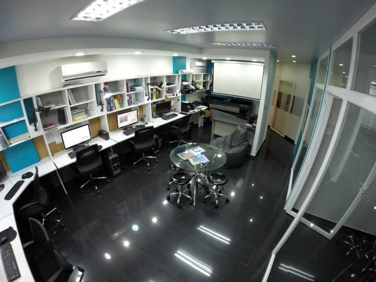Área de  Trabajo : Salas de entretenimiento de estilo  por 5D Proyectos