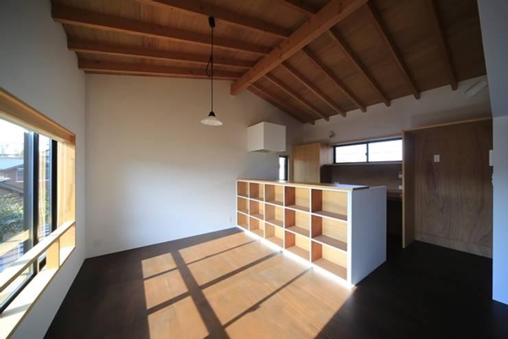 小谷の家: 早田雄次郎建築設計事務所/Yujiro Hayata Architect & Associatesが手掛けたダイニングです。