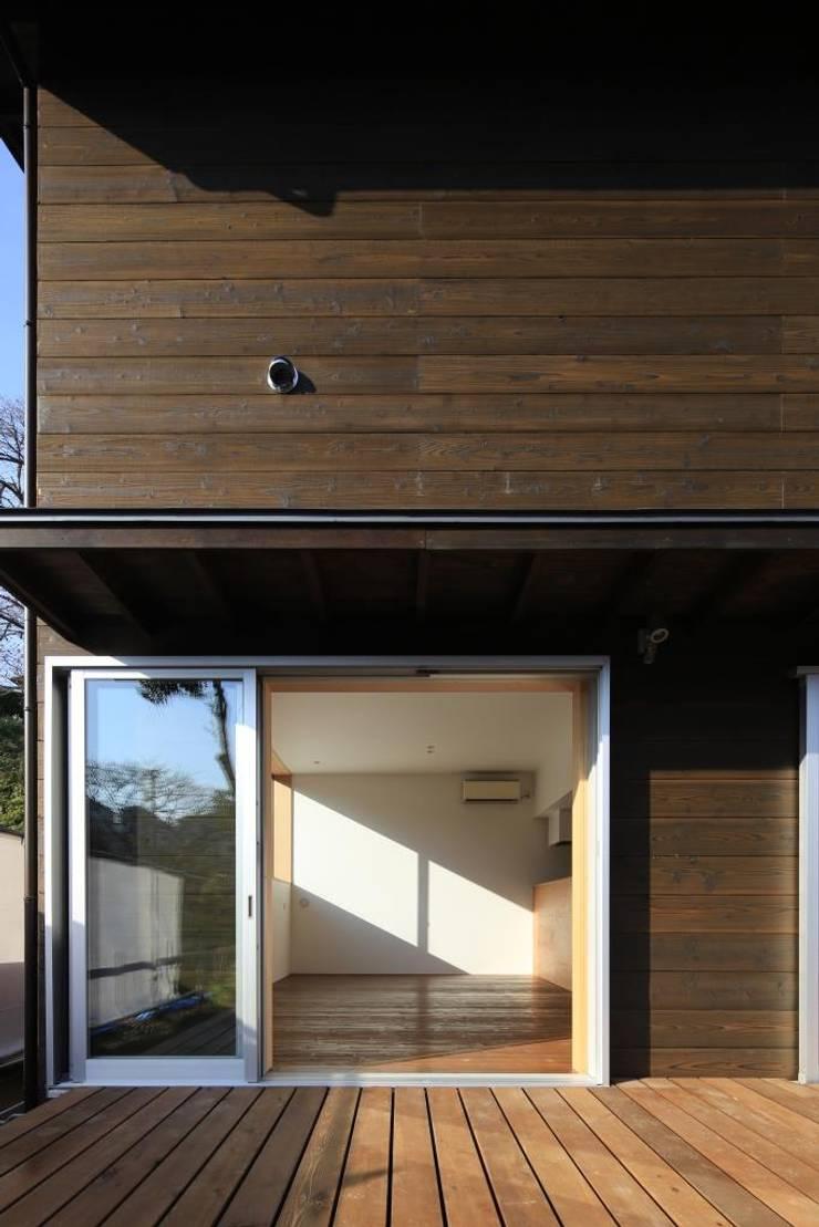 LDK(子世帯): 早田雄次郎建築設計事務所/Yujiro Hayata Architect & Associatesが手掛けた家です。,