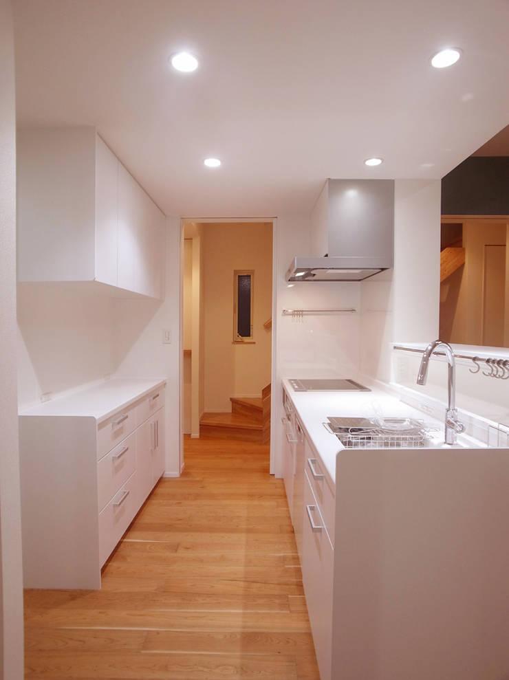 キッチン: 祐成大秀建築設計事務所が手掛けたキッチンです。