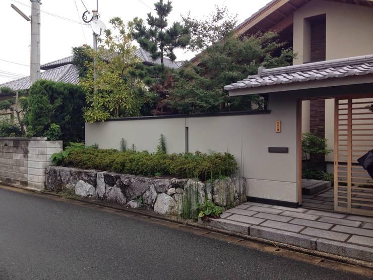 庭in新宮: 庭園空間ラボ teienkuukan Laboが手掛けた庭です。,