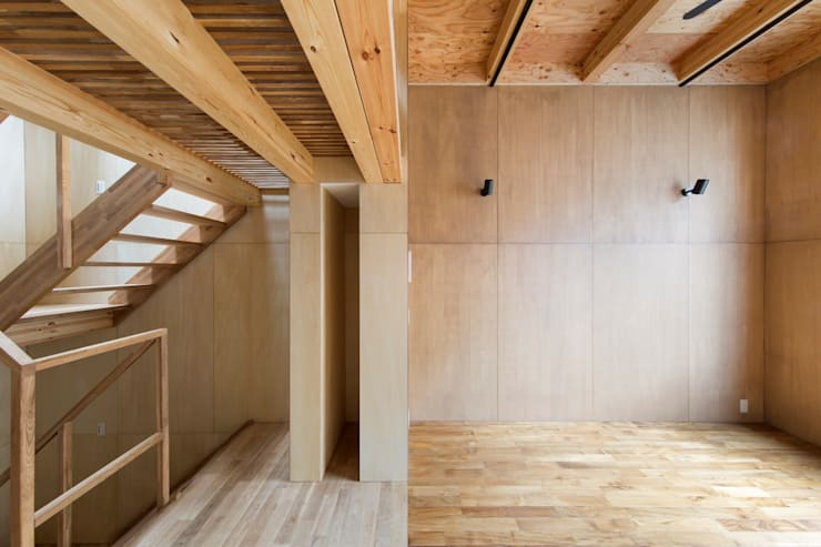 Living and Stairs:  Living room by Kentaro Maeda Architects