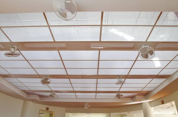 遊戯室天井: (株)スペースデザイン設計(一級建築士事務所)が手掛けた和室です。