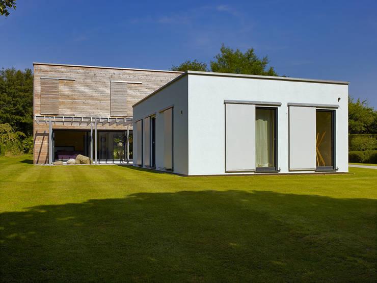 Projekty,  Domy zaprojektowane przez Baufritz (UK) Ltd.