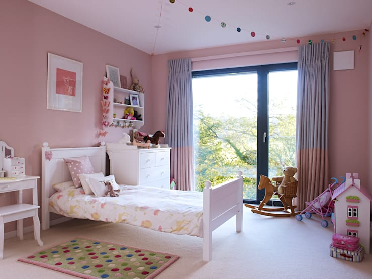 Projekty,  Pokój dziecięcy zaprojektowane przez Baufritz (UK) Ltd.