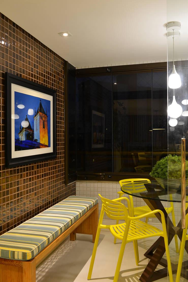 Apartamento TJ: Terraços  por Bastos & Duarte