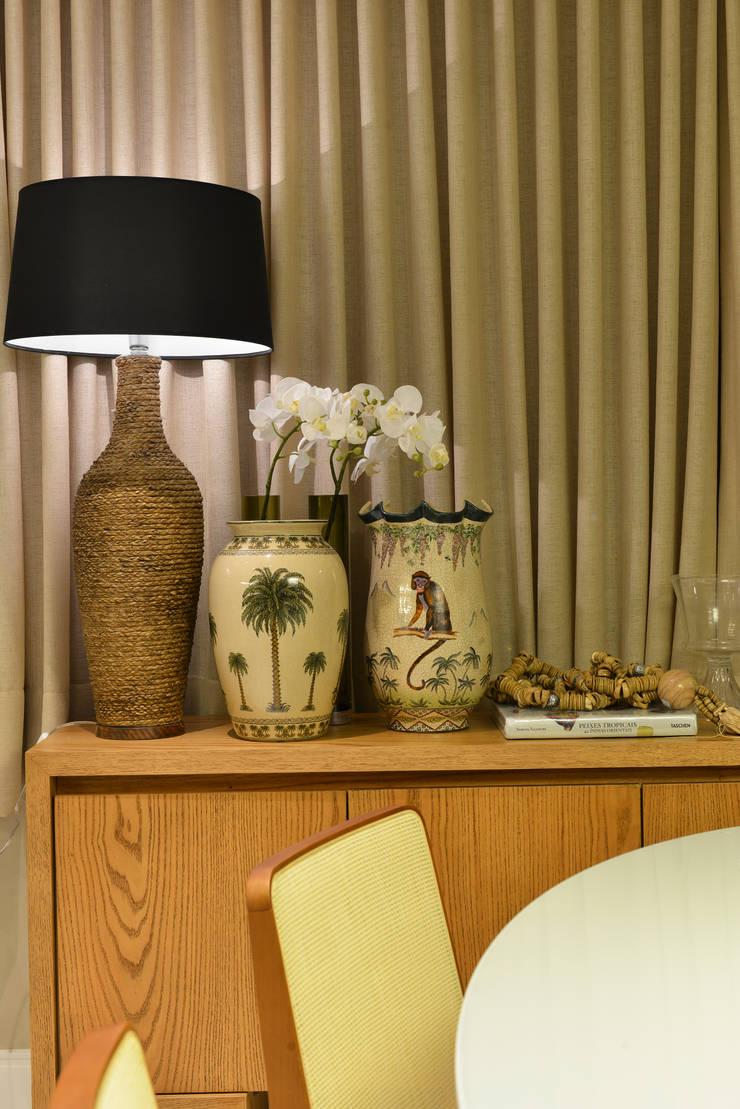 Apartamento TJ: Salas de jantar ecléticas por Bastos & Duarte