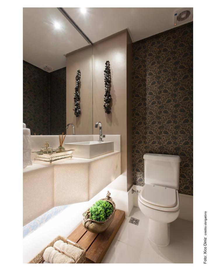 Baños de estilo moderno de Bastos & Duarte Moderno