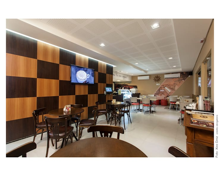 Cafeteria: Corredores e halls de entrada  por Bastos & Duarte