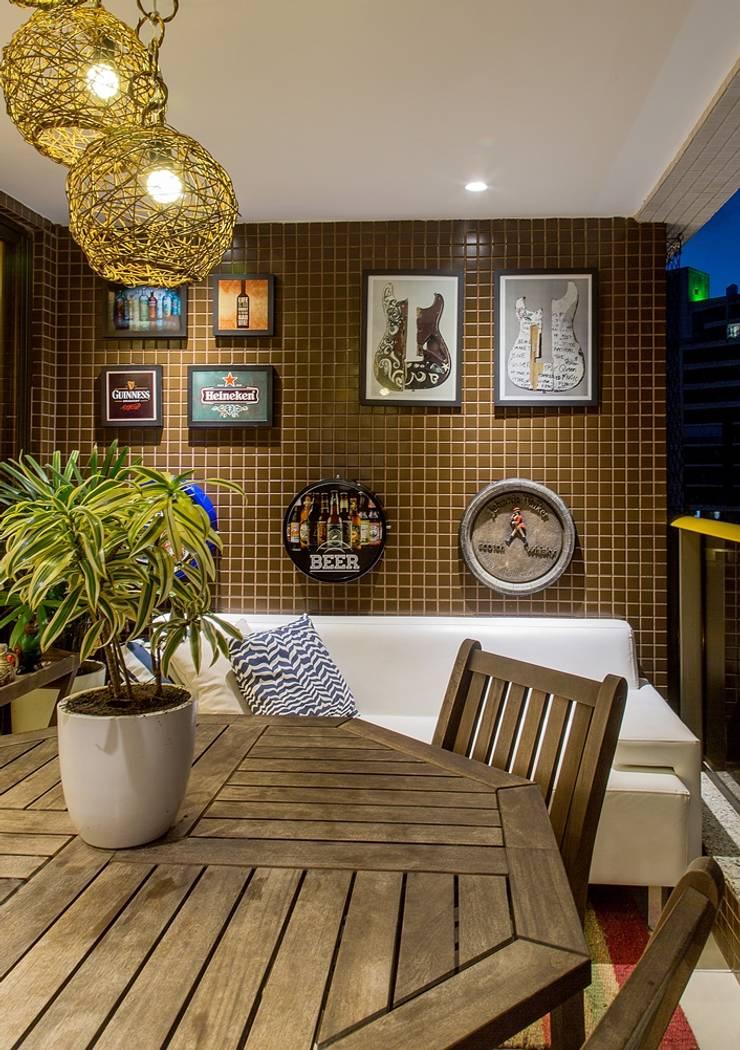 Apartamento VA: Terraços  por Bastos & Duarte