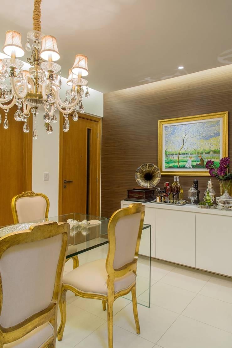 Apartamento VA: Salas de jantar clássicas por Bastos & Duarte