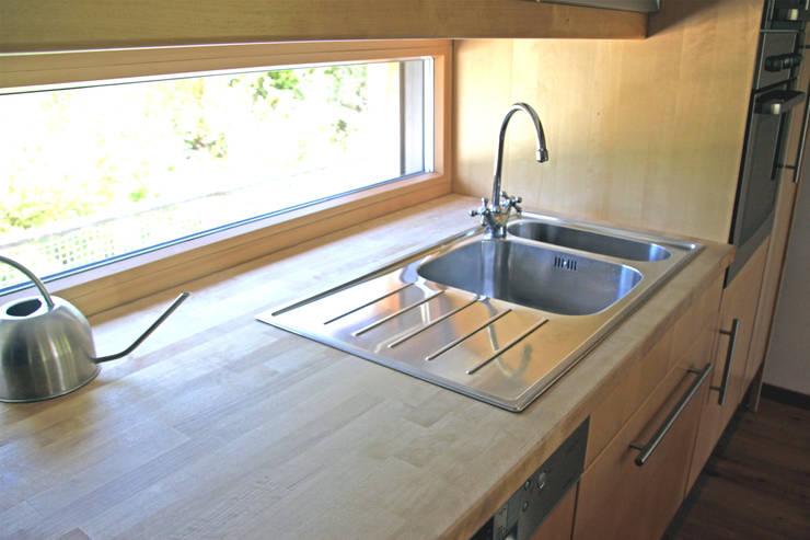 Kitchen by Architekt Stefan Toifl