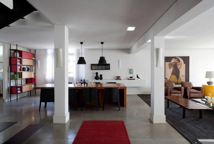 Apartamento Ministro Rocha Azevedo:   por Antônio Ferreira Junior e Mário Celso Bernardes