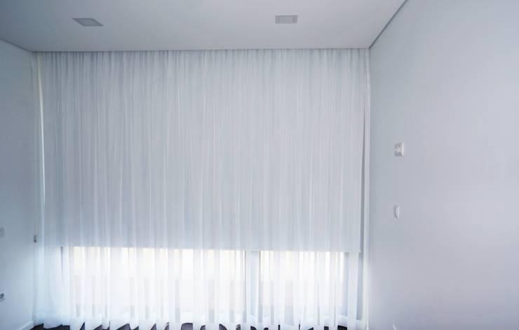 Quarto: Quartos modernos por Lethes House