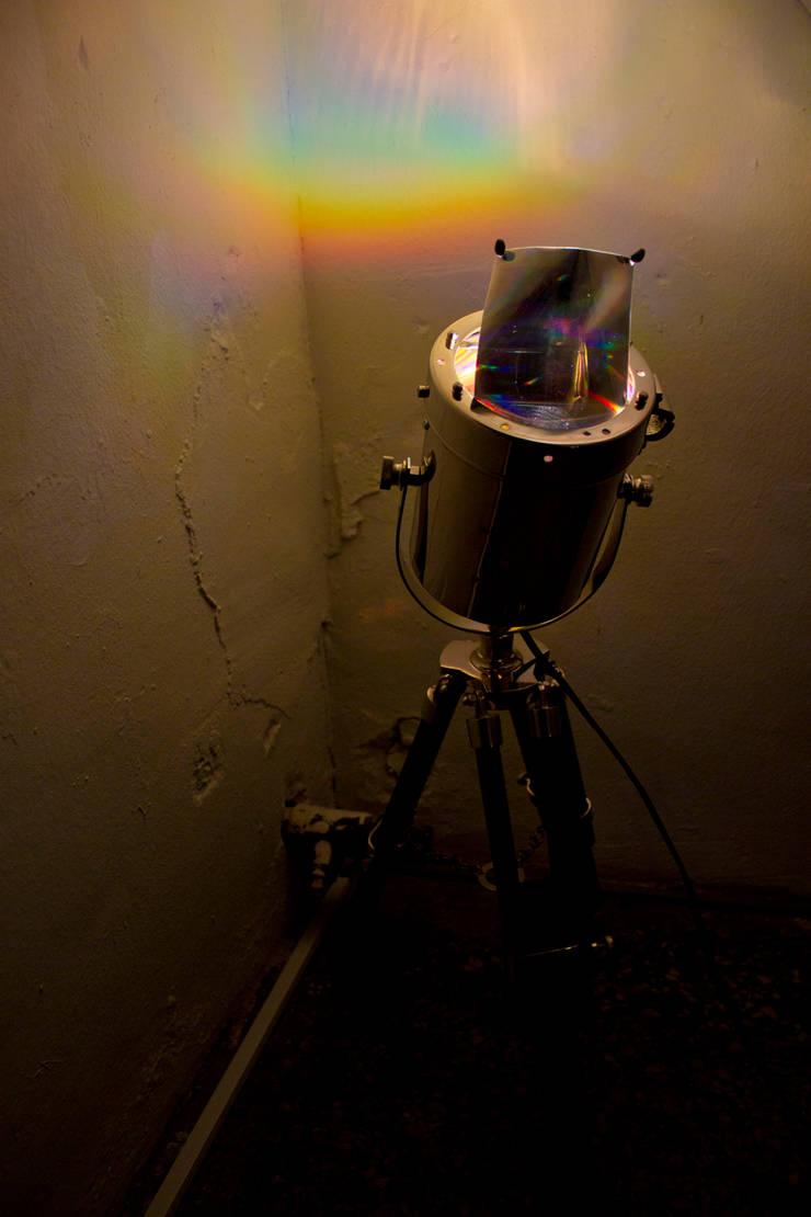 설치된 ROY.G.BIV : 글로리홀 GLORYHOLE LIGHT SALES의  아트워크