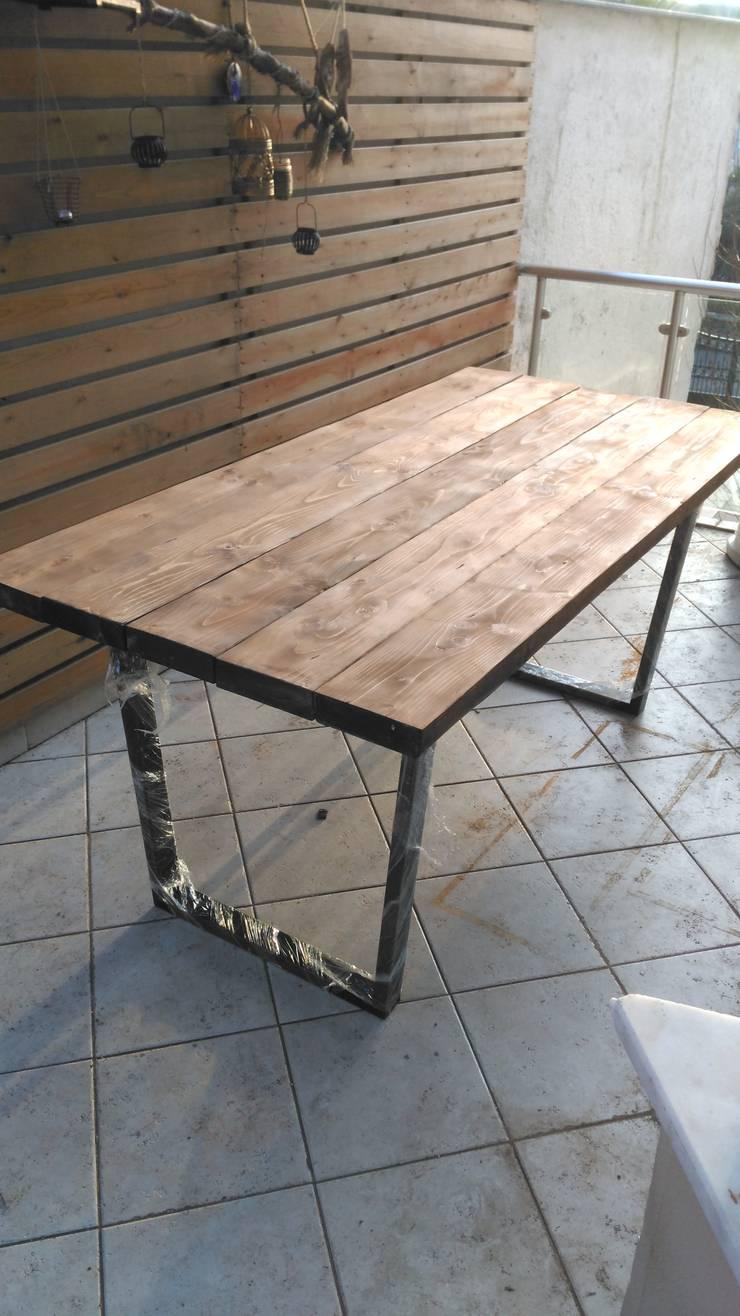 Wood_Dekor – Wood Table:  tarz Balkon, Veranda & Teras