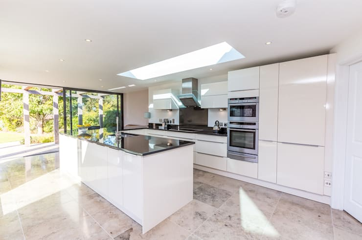 No. 2 Escallonia: modern Kitchen by CCD Architects