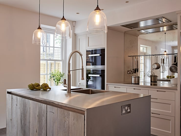 Kitchen design for small spaces: industrial Kitchen by Holloways of Ludlow Bespoke Kitchens & Cabinetry