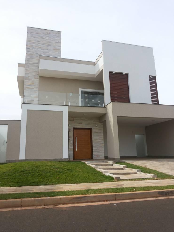casa moderna Damha:   por Renata Prata Studio