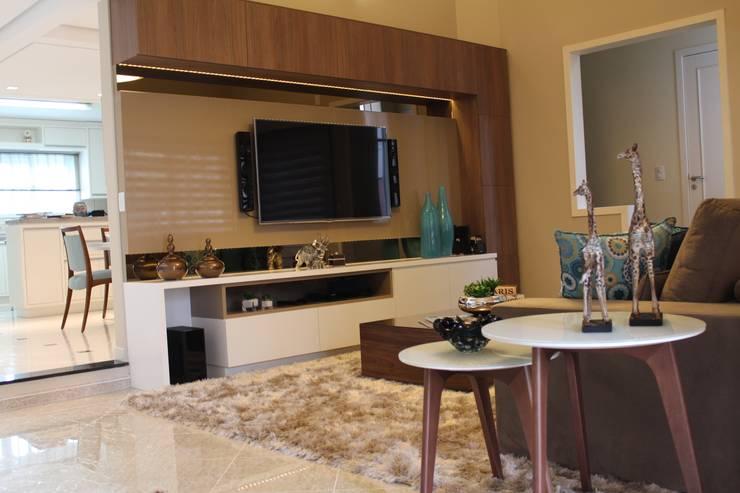 Sala de estar e jantar - Inspiração Turquesa: Salas de estar  por Daiana Oliboni  Design de Interiores