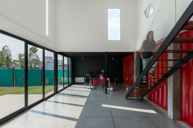 Projekty,  Salon zaprojektowane przez estudioscharq