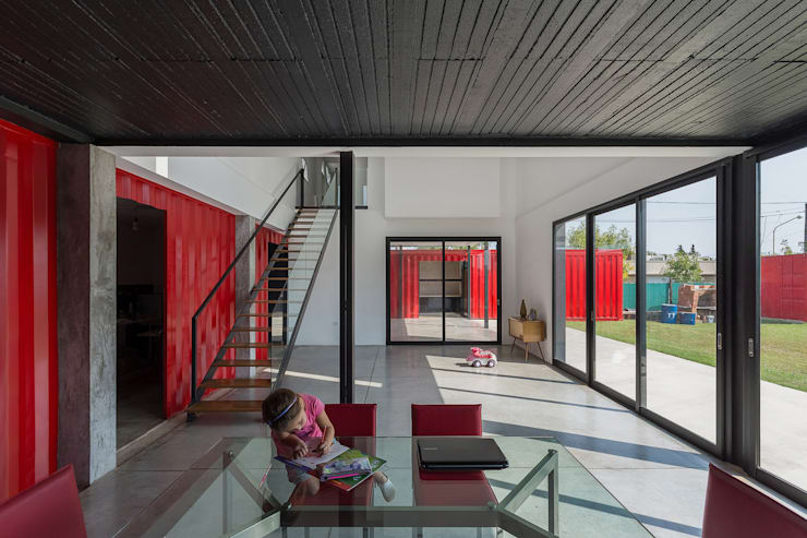 Casa Container: Comedores de estilo moderno por estudioscharq