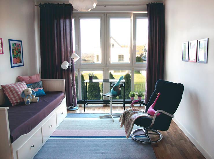 Pokój dziecka: styl , w kategorii Pokój dziecięcy zaprojektowany przez Mhomestudio