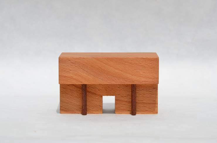 木の家 WOOD HOUSE: 家具工房モク 木の家具ギャラリーが手掛けた家庭用品です。,