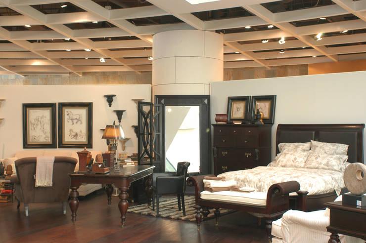 Casa Palacio: Recámaras de estilo  por DIN Interiorismo