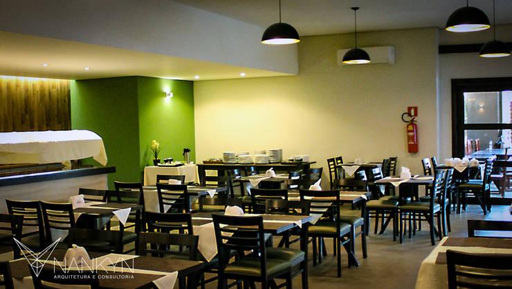 Verde & Tabaco: Espaços gastronômicos  por Nankyn Arquitetura & Consultoria