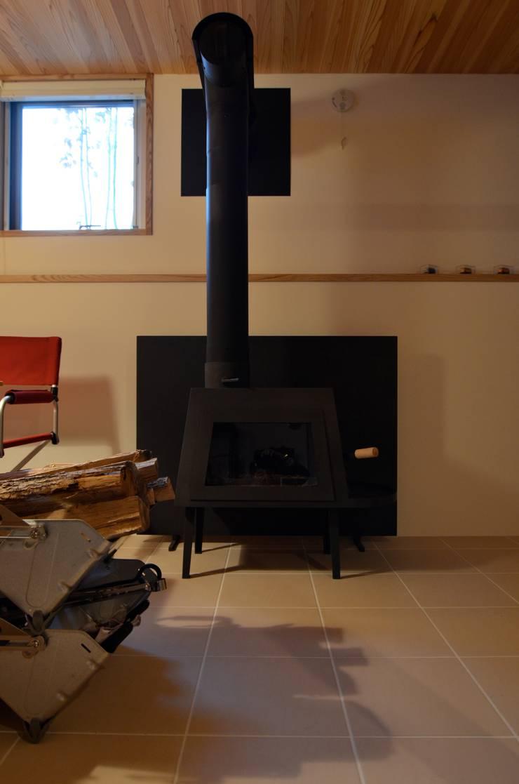 あつみづのいえ: 清建築設計室/SEI ARCHITECTが手掛けたテラス・ベランダです。,