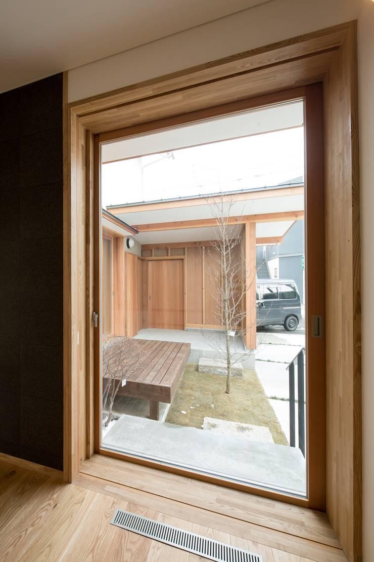 しろもとのいえ: 清建築設計室/SEI ARCHITECTが手掛けた窓です。,