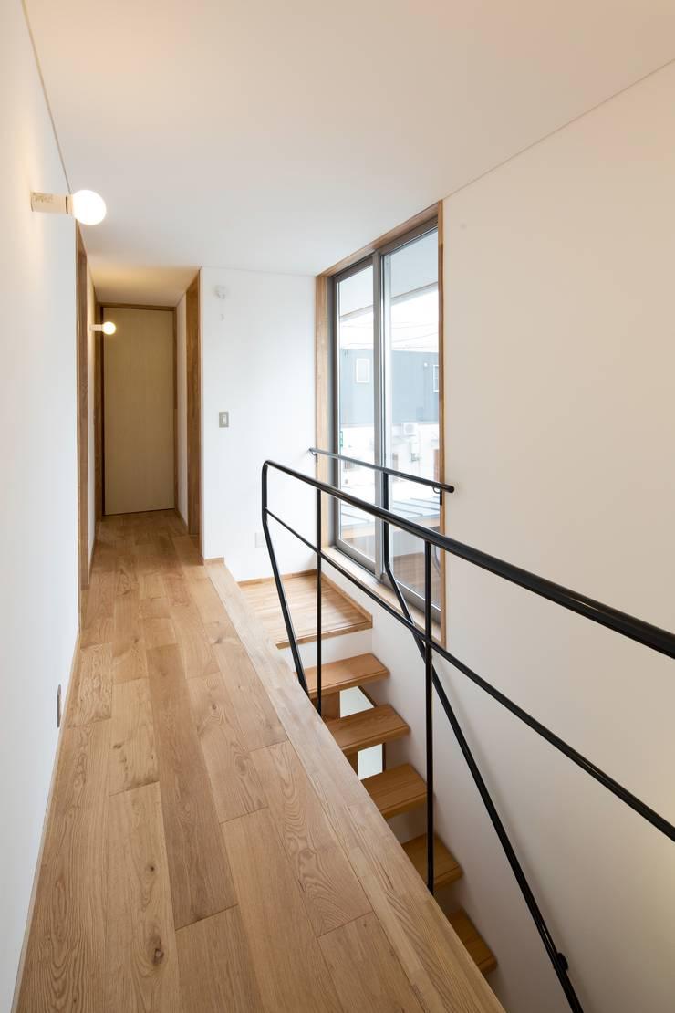 しろもとのいえ: 清建築設計室/SEI ARCHITECTが手掛けた廊下 & 玄関です。,