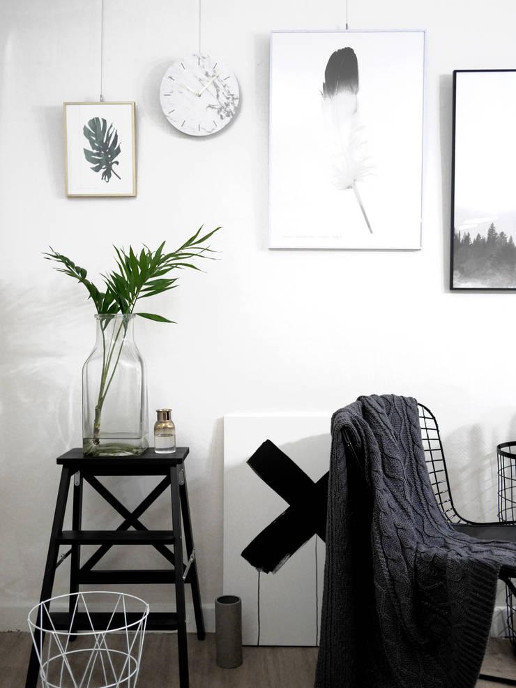 dclock big marble black&white: maketen의  벽 & 바닥
