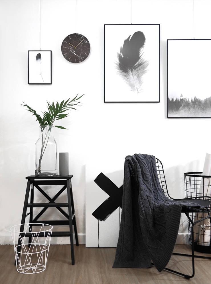 dclock big marble black&white: maketen의  가정 용품