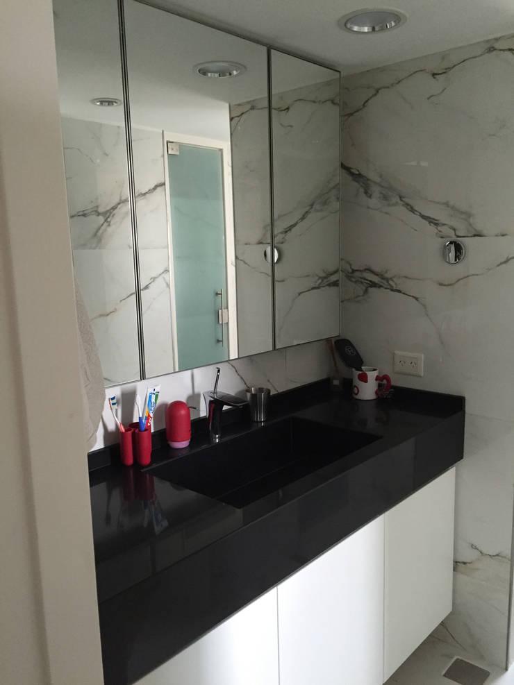 OCAMPO: Baños de estilo  por taller125