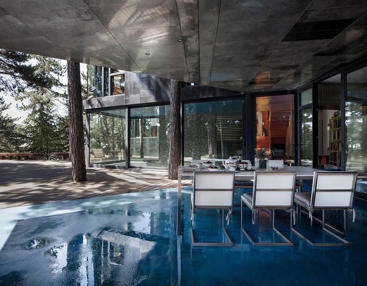 Projekty,  Jadalnia zaprojektowane przez The Sibarist Property & Homes