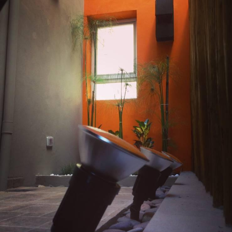 Duplex Calle Entre Ríos : Jardines de estilo  por Brarda Roda Arquitectos