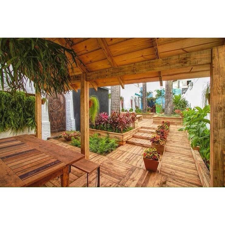 庭院 by Diogo Alvarez Arquitetura e projetos 3D