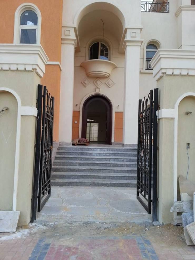 Construcción villa JH:  de estilo  por Arquitectos RUIZ