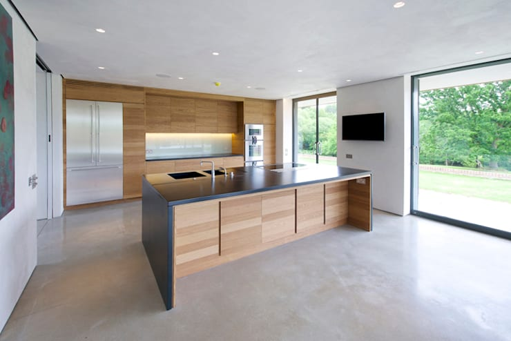 Little England Farm - House: modern Kitchen by BBM Sustainable Design Limited