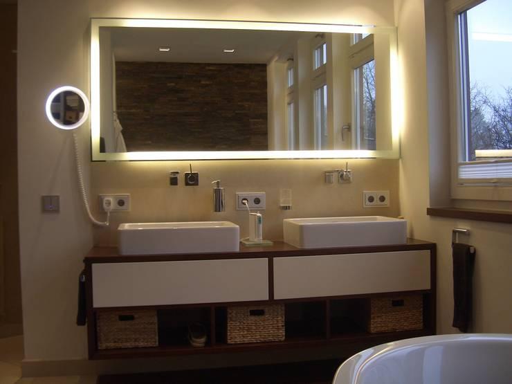 Grandi+Lutze의  욕실