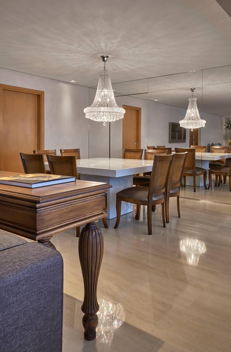Sala de Jantar: Salas de jantar modernas por Juliana Goulart Arquitetura e Design de Interiores