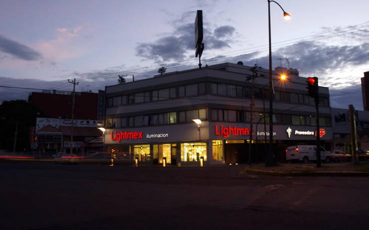 Lightmex: Casas de estilo  por DIN Interiorismo , Moderno